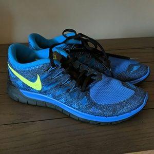 Nike Men's Fitsole athletic shoes